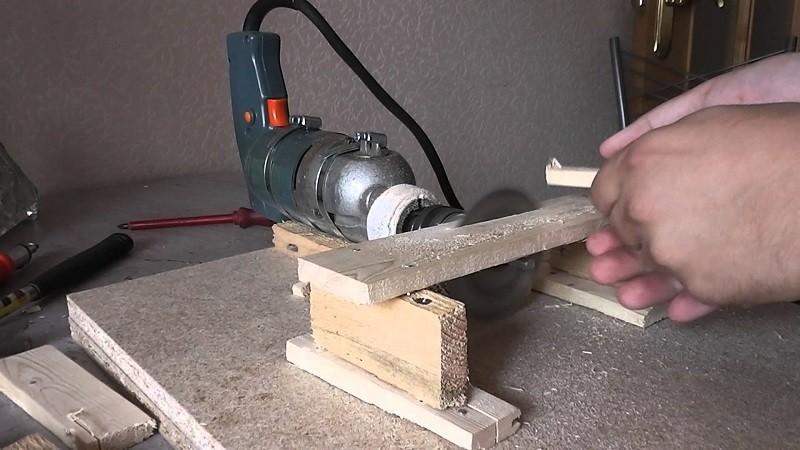 Фрезер из болгарки своими руками: как сделать с регулировкой, ручной по дереву, чертежи, фото, видео