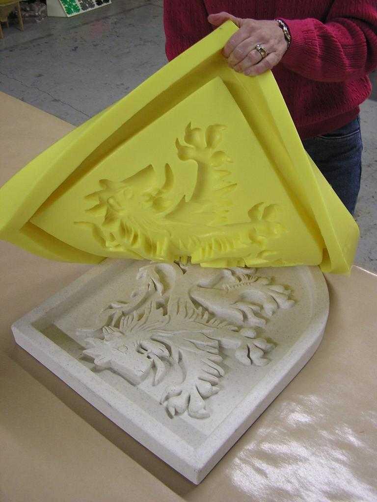Как сделать форму из силиконового герметика в домашних условиях  этапы создания матрицы - все про гипсокартон