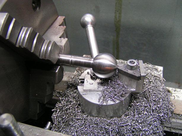 Самодельный токарный станок по металлу своими руками: изготовление и эксплуатация