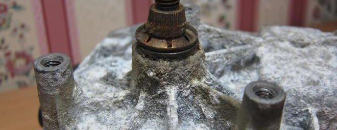Как убрать окисление с алюминия на двигателе? - металлы и металлообработка