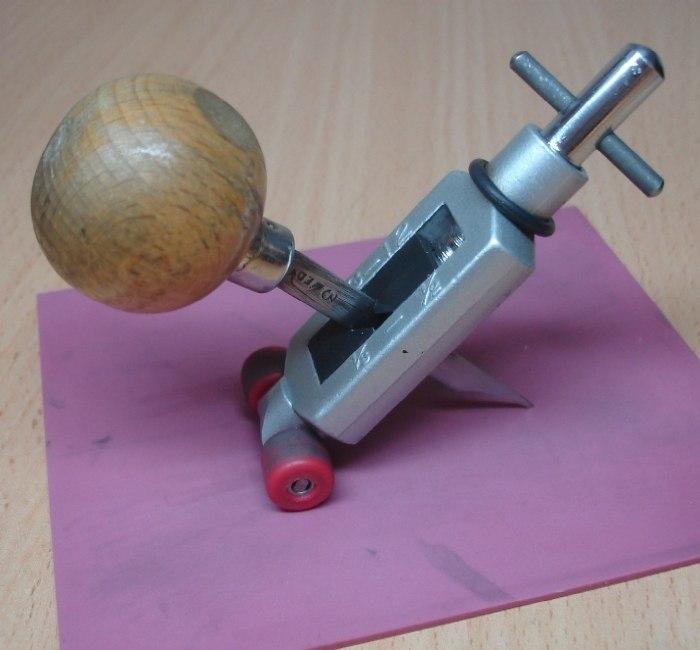 Как сделать гравировку в домашних условиях? рисуем на металле
