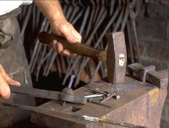 Кузнецы: история промысла, документальный фильм, фотографии изделий.