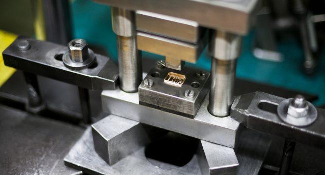 Штамповка деталей из листового металла: способы, нормы