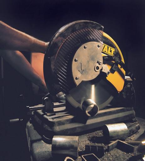Отрезная пила по металлу: рейтинг, монтажная с твердосплавным диском