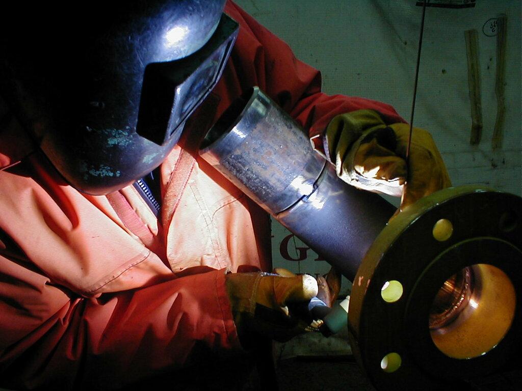 Как варить трубы электросваркой?