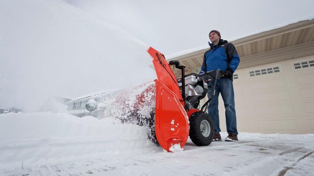 Какой бензин заливать в снегоуборщик husqvarna. снегоуборщики hysqvarna (хускварна): шведская надежность за приемлемую цену