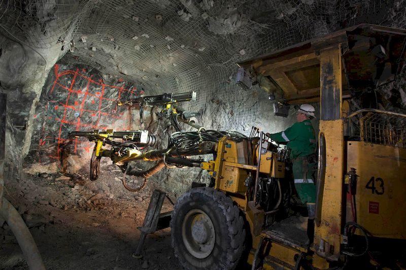Уран: описание и свойства металла, способ получения, сферы применения и месторождения