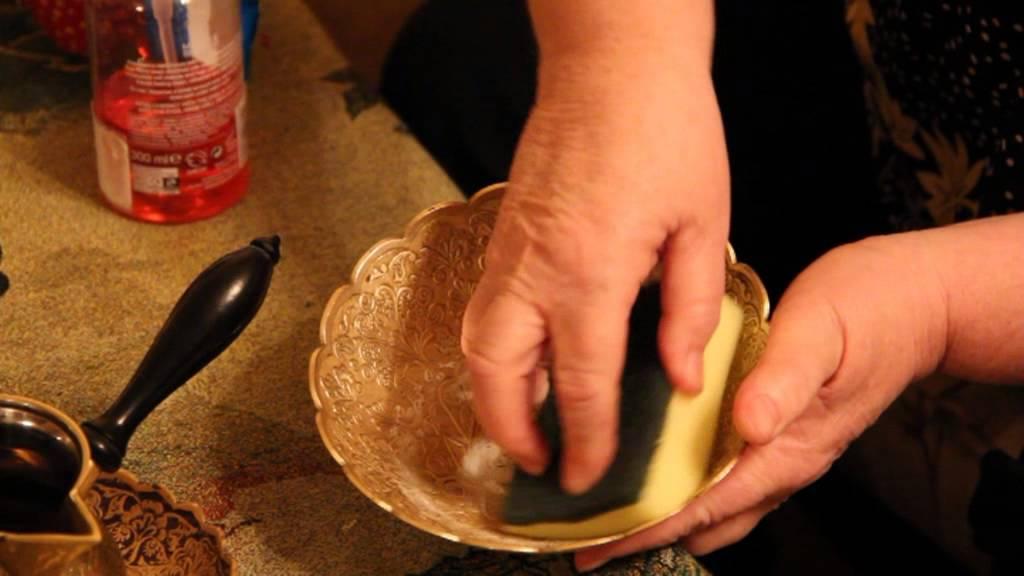 Чем чистить латунь в домашних условиях: способы чистки латуни от окислов, средства для придания блеска