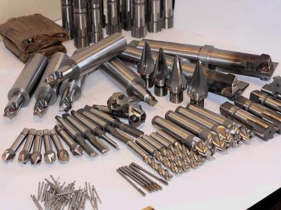 Быстрорежущая сталь - основа инструментальных материалов