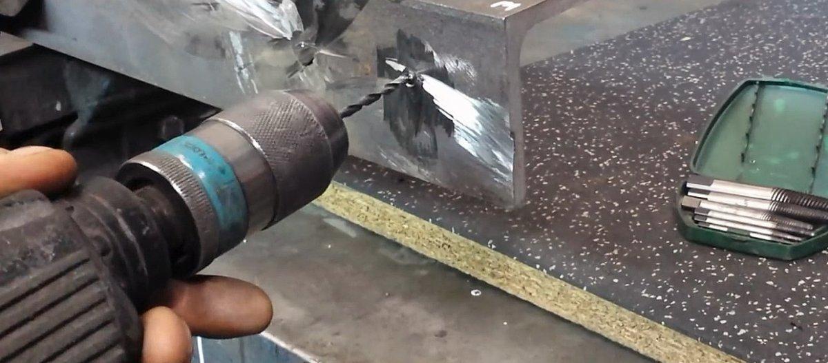 Как высверлить каленый болт: несколько способов. как выкрутить сломанную шпильку: советы мастера