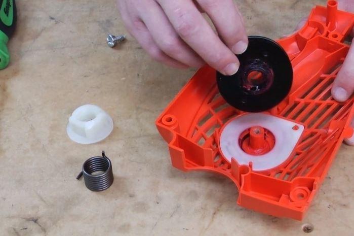 Стартер для бензопилы. устройство и ремонт своими руками | проинструмент