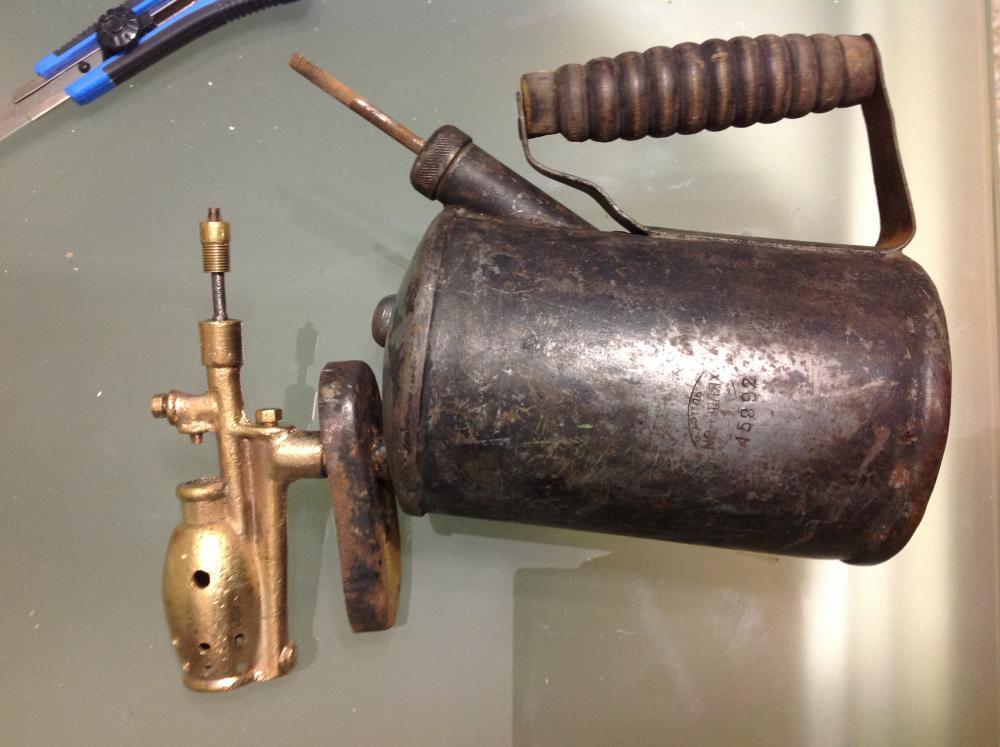 Паяльные бензиновые лампы (33 фото): как ими пользоваться? устройство и температура пламени, рейтинг лучших моделей. как разжечь аппарат бензиновой пайки?
