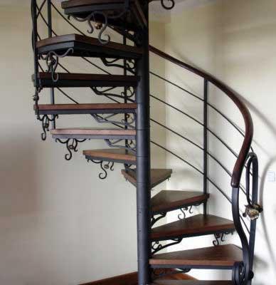 Кованые лестницы — фото шедевров кузнечного искусства