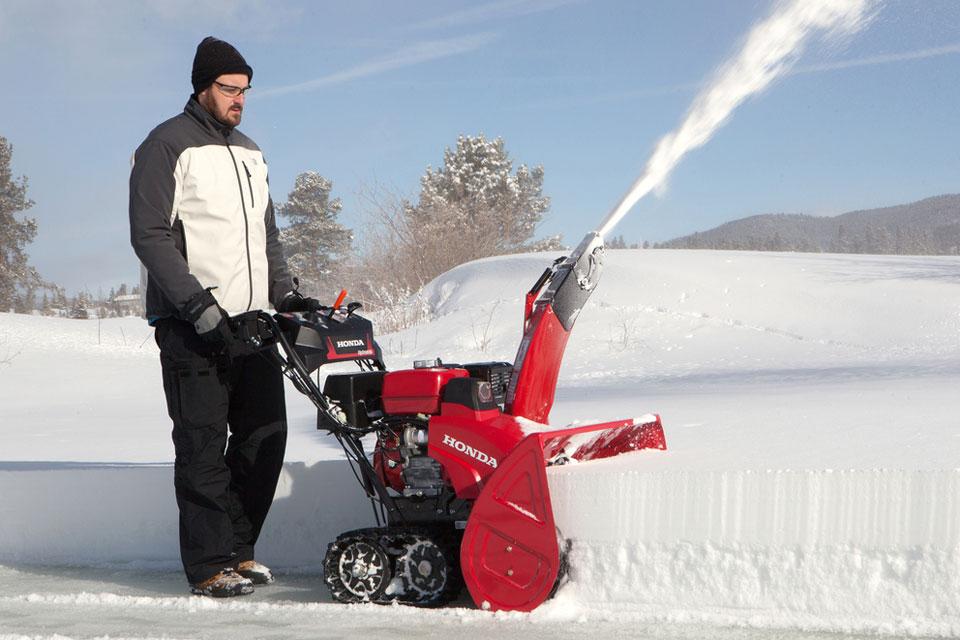 Топ-10 бензиновых снегоуборщиков для дома и дачи