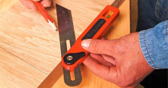 Малка — инструмент для переноса углов и обустройства откосов дверей