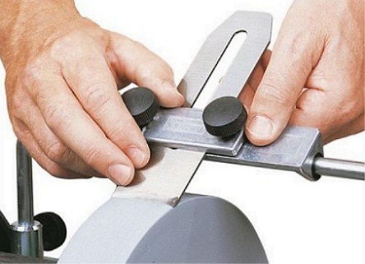 Приспособления для заточки ножей рубанка