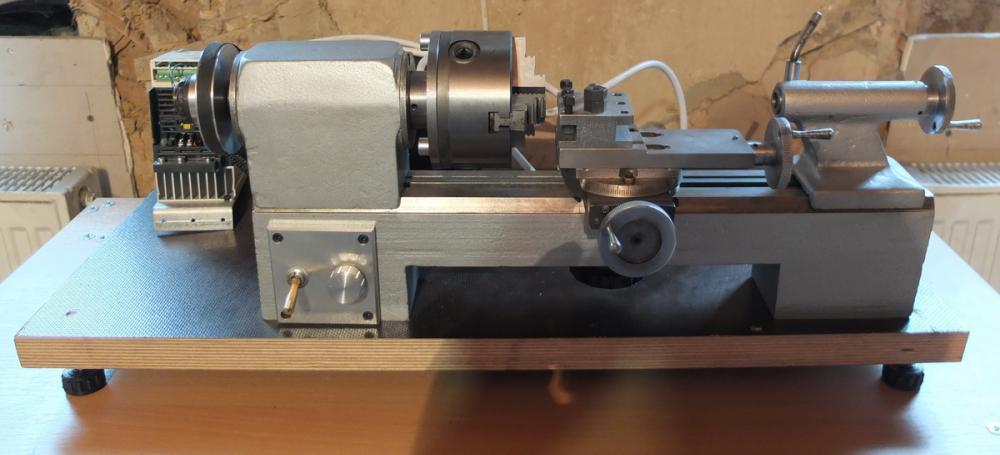 Настольный токарный станок 1д601