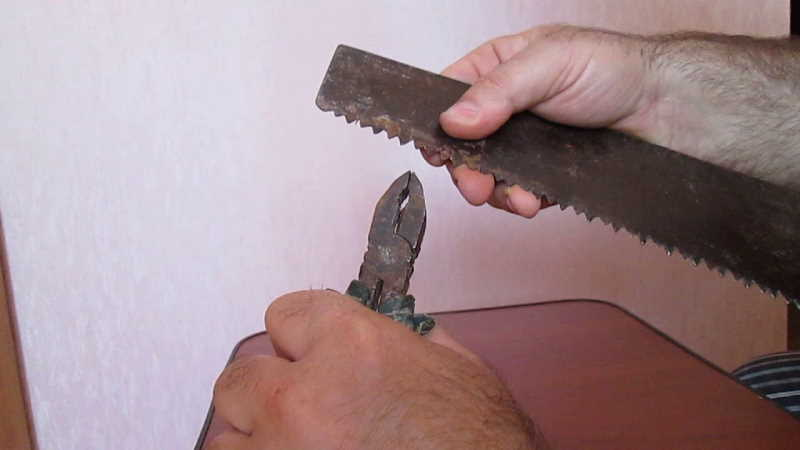 Как развести зубья у ножовки по дереву правильно