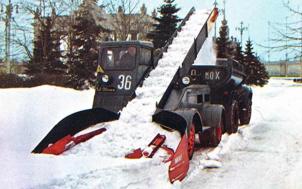 Что такое снегоуборочная машина: разновидности, оснащение, приемы работы