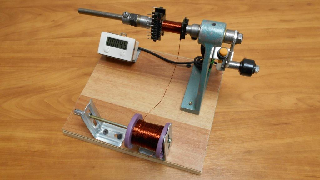 Намоточные станки: электронные счетчики витков для станков для катушек. ручные станки для трансформаторов и укладчики с шаговыми двигателями, другие виды