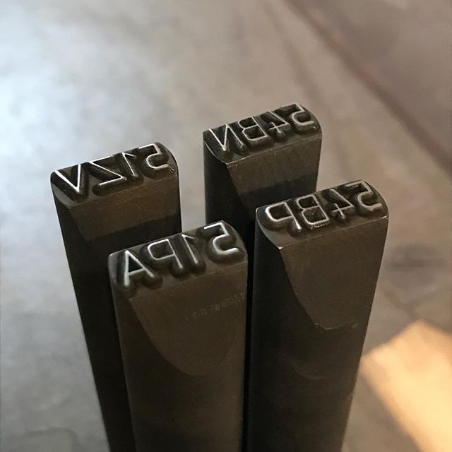 Где ставится клеймо сварщика при сварке металлоконструкций