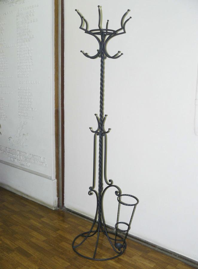 Кованые вешалки в прихожую (42 фото): выбираем настенные и напольные кованые вешалки, примеры в интерьере