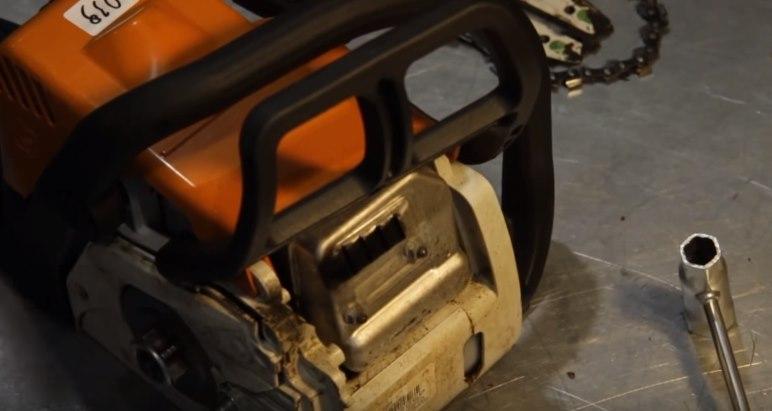 Не заводится бензопила: не заводится бензопила: глохнет при нажатии на газ, когда даешь газу, при нагрузке, добавлении газа, не развивает обороты, на холостом ходу, больших оборотах