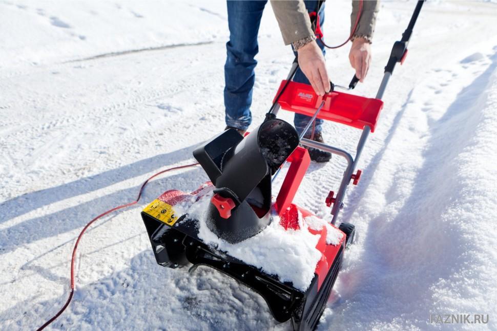 12 дешевых бензиновых снегоуборщиков — рейтинг 2020