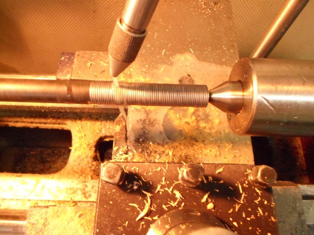 Нарезание резьбы на токарном станке резцом