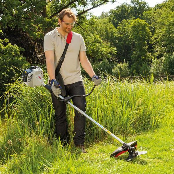 Как правильно косить траву триммером с леской? установка механизма и подготовка триммера к работе. правильные способы покоса