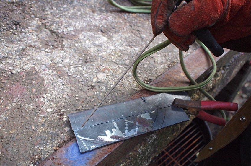 Сварка тонкого металла электродом – как варить металл инвертором 2 мм, 3 мм, сложности, техника, рекомендации начинающим