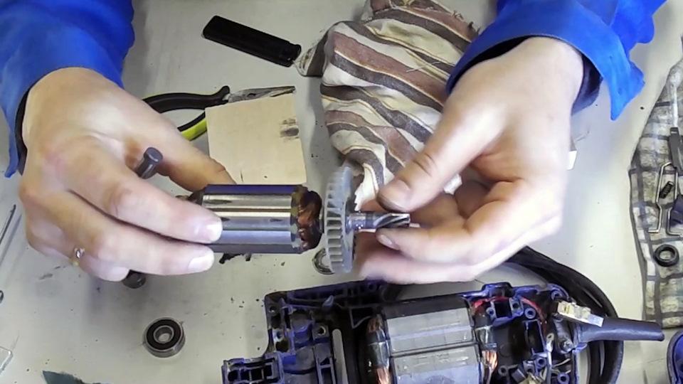 Замена пилки в электролобзике - вместе мастерим