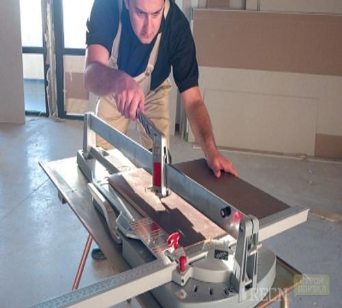 Как выбрать ручной плиткорез: классификация, параметры, топ-7 популярных моделей, их плюсы и минусы, советы специалистов и пошаговая инструкция как резать плитку подобным устройством