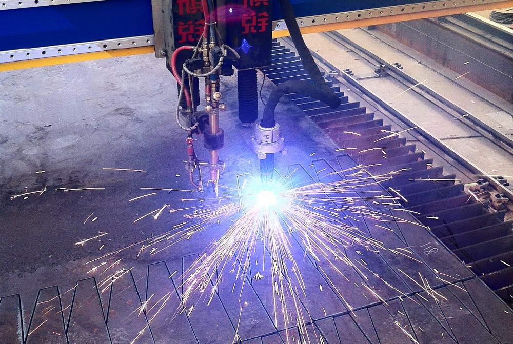 Плазменная резка металла: принцип работы плазмореза