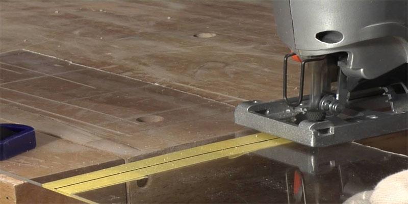 Чем резать оргстекло: сложности обработки капризного материала