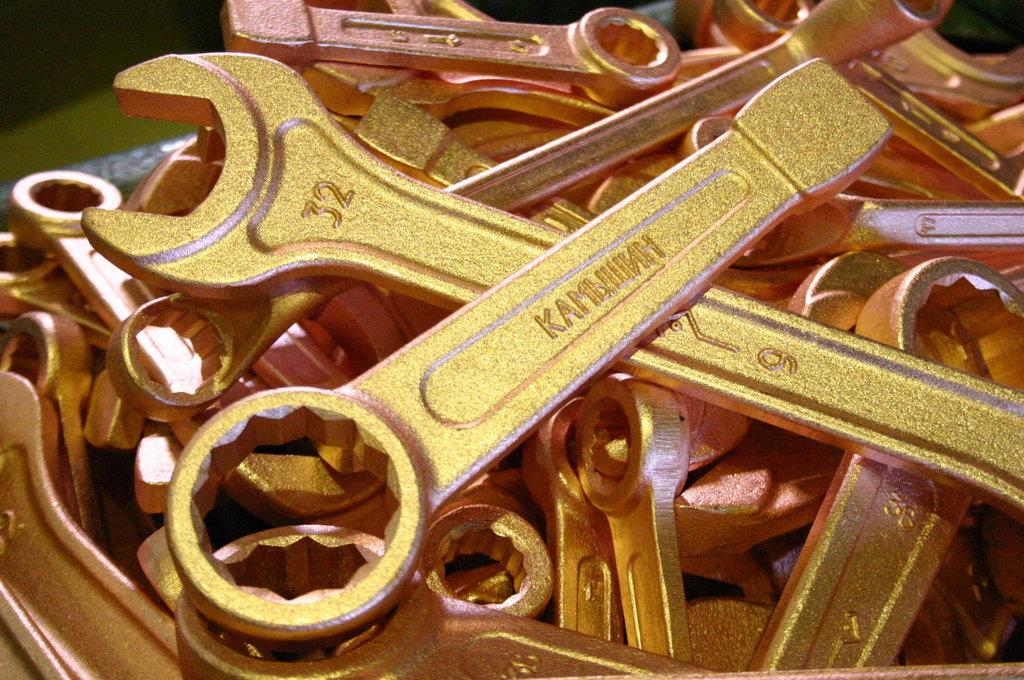 Где используются искробезопасные гаечные ключи?