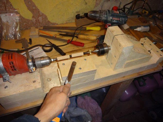 Собираем токарный станок по дереву из дрели просто, быстро, при минимальных затратах