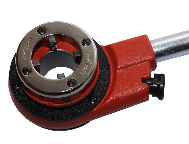 Трубный клупп – ручной инструмент для нарезки резьбы на стальных трубах