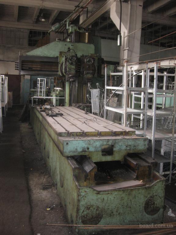 Устройство дерево- и металлообрабатывающих строгальных станков