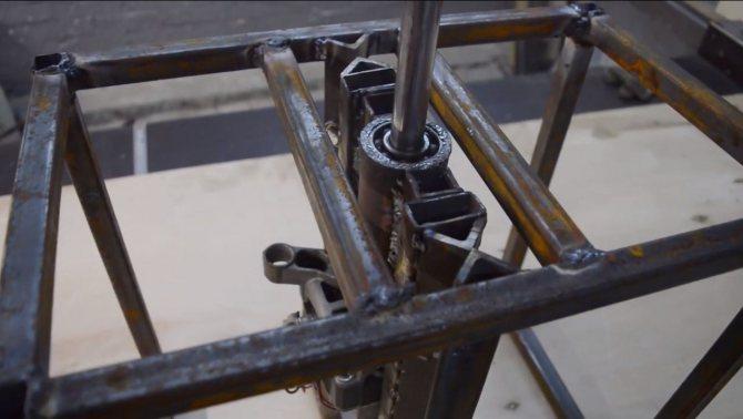 Осцилляционный-шпиндельный шлифовальный станок по дереву