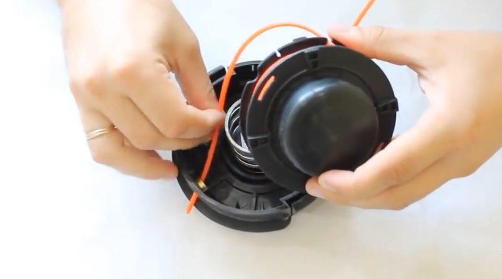 Как вставить леску в автоматическую катушку триммера - nzizn.ru