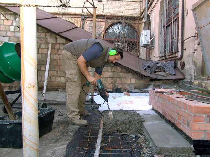 Зачем нужен вибратор для бетона?