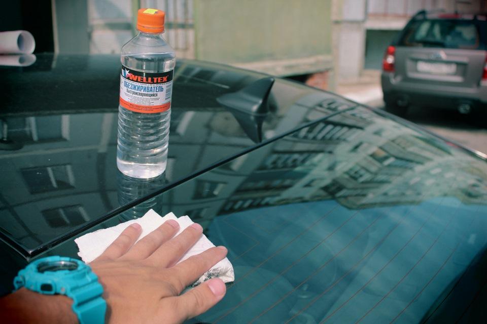 Чем обезжирить поверхность кузова автомобиля перед покраской