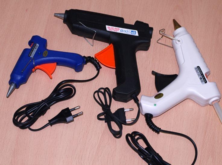 Как пользоваться клеевым пистолетом? как правильно работать термопистолетом с клеем-стержнем пошагово? для чего можно его использовать? лайфхаки