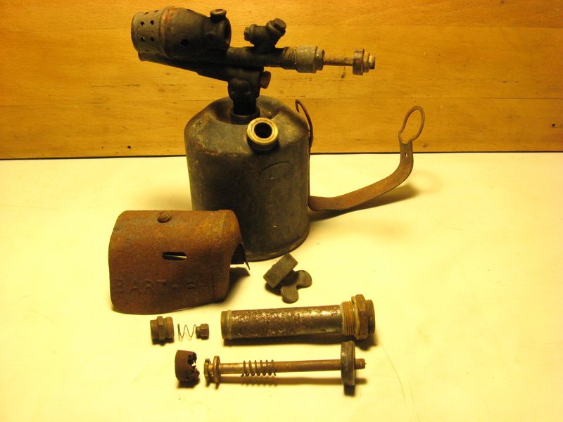Бензиновая паяльная лампа: характеристики и принцип работы