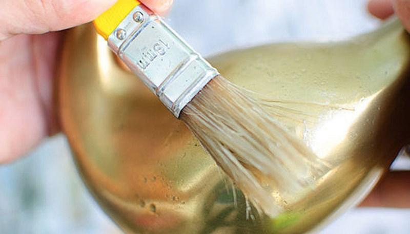 Чем чистить латунь и бронзу в домашних условиях до блеска: как правильно почистить от окиси