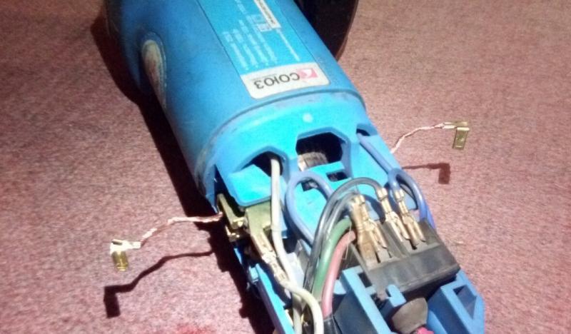 Почему сильно искрят щетки электродвигателя пылесоса: что делать, если горят