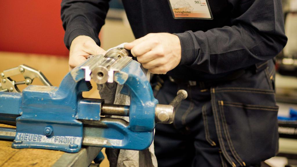 Ремонт тисков: восстановление слесарных тисков своими руками. как отремонтировать и чем покрасить?