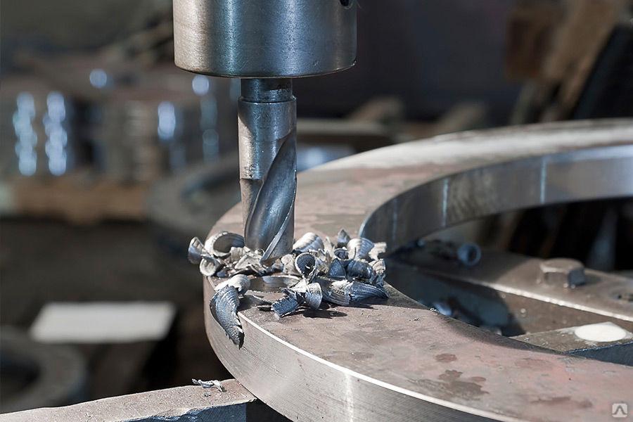 Виды работ, выполняемых на токарных, фрезерных, сверлильных станках. режущий инструмент и приспособления