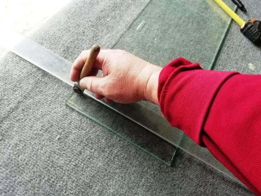 Как отрезать каленое стекло – простыми словами о сложном процессе. как разрезать каленое стекло в домашних условиях как отрезать каленое стекло